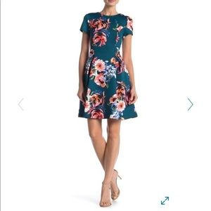 Vince Camuto Fit and flare floral scuba dress